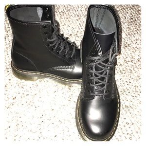 NEW! Dr. Martens - 1460 Women's trouncers